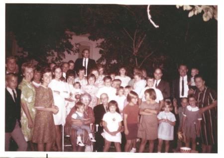 Birdchar196xcwbfamily_reunion0002_1